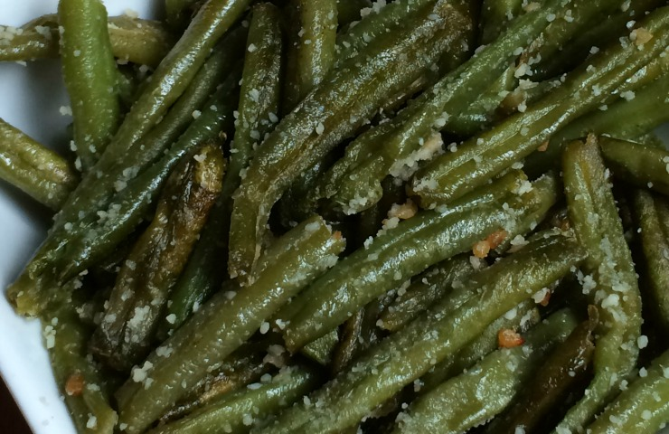 Parmesan Roasted Green Beans - NEPA Mom