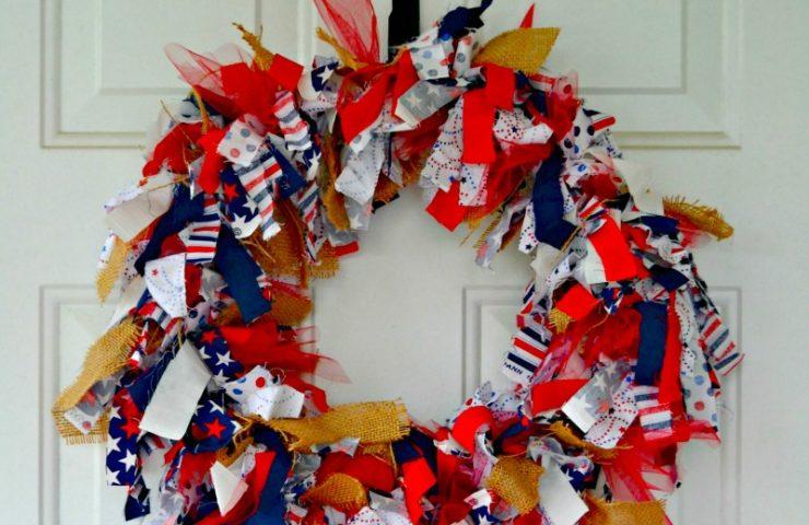 4th of July Burlap Rag Wreath Instructions