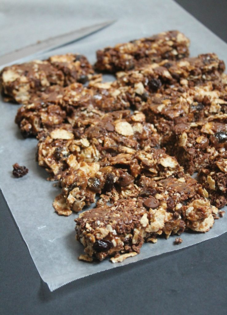 These yummy Chocolate Peanut Butter Granola Bars are a yummy snack any time of day!