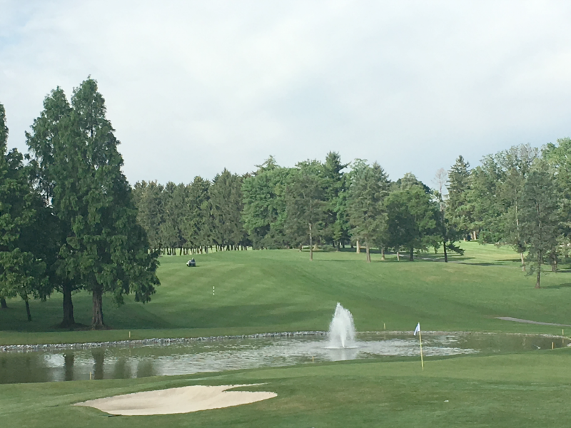 Want to play Golf in Hershey PA? Did you know that if you stay at one of the Hershey Resorts you can also book a tee time at the famed Hershey Country Club in Hershey PA? Just one of the many perks available to guests of Hershey resorts! #SweetestMoms
