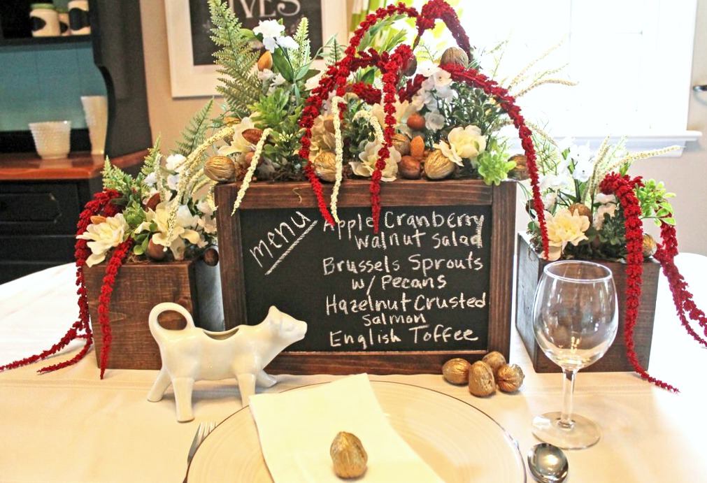 This easy chalkboard craft doubles as a pretty centerpiece and a menu holder, perfect for holiday buffets!