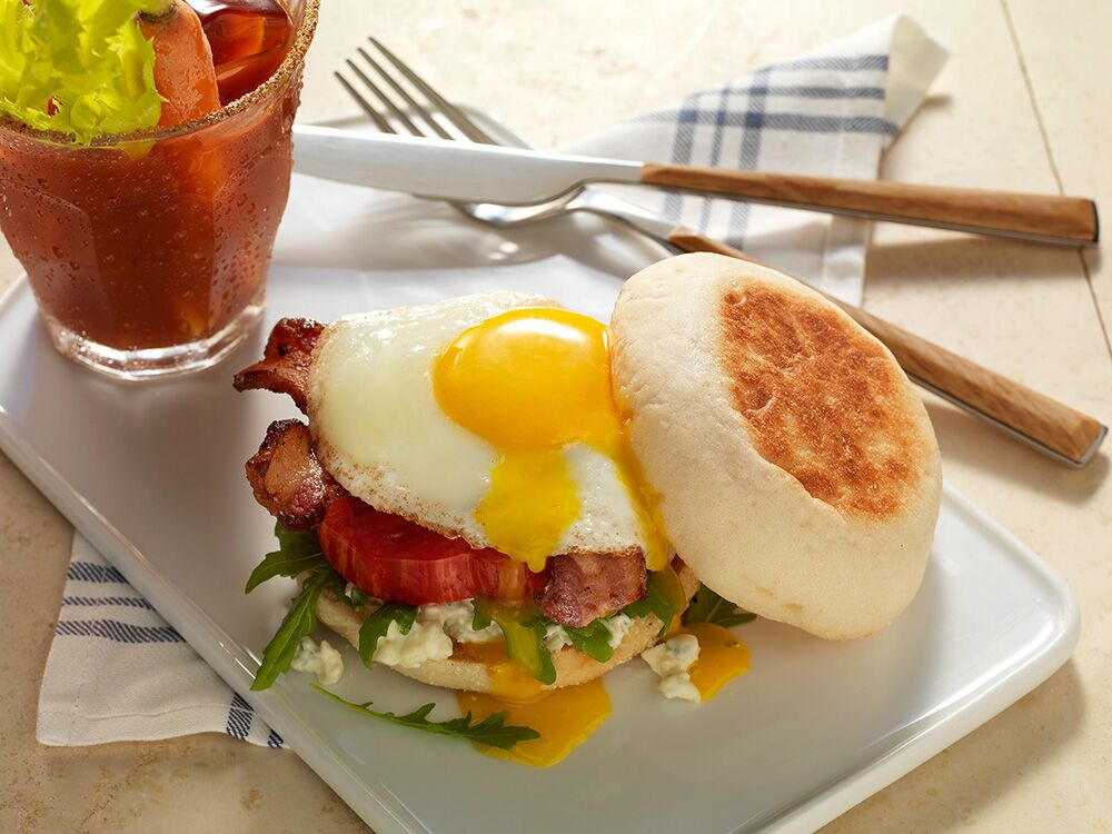 Bacon-zola Breakfast Sandwich with Bay's English Muffins are also great for breakfast egg sandwiches, perfect for quick mornings on the go! #ad